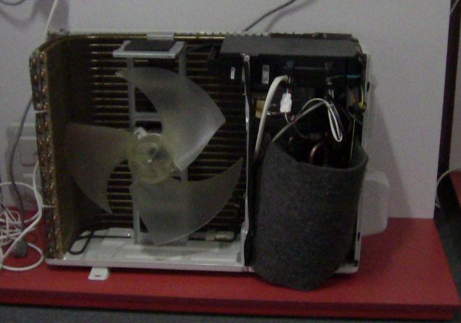 Зображення зовнішнього блока в розібраному вигляді кондиціонера SENSEI Inverter